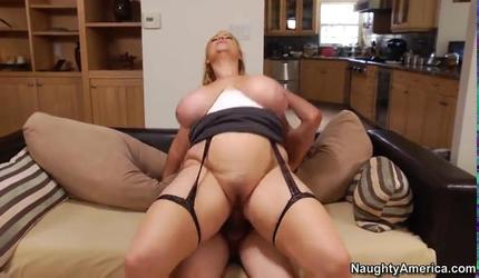 Порно высокое разрешение короткое, видео парни дрочат свои пенисы